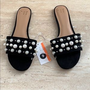 A new day pearl flat sandals size 9 new with tag